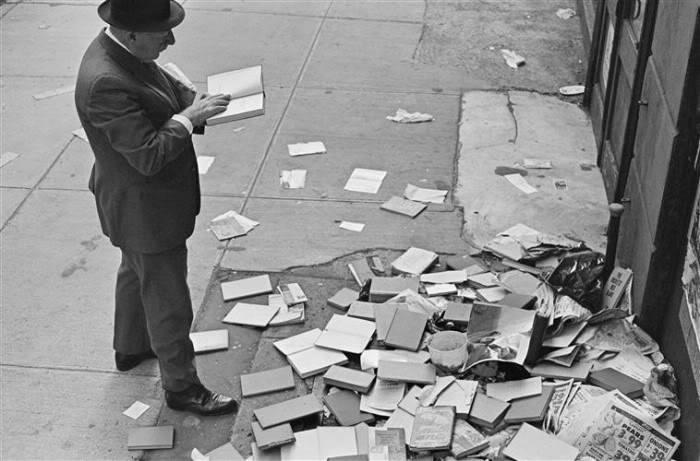 On Reading (1894 -1985)