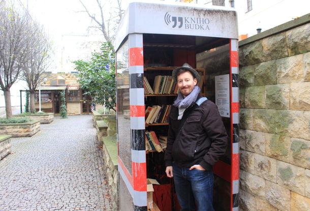 В Праге набирают популярность книгобудки