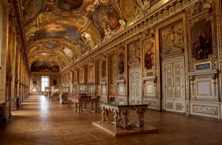 "Музей ""Лувер"". Париж. Франция"