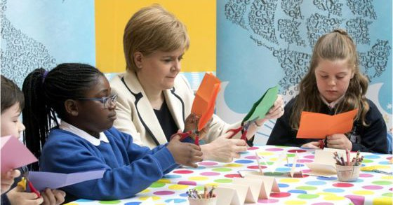 В школах Шотландии запустили книжный флешмоб прочитай 100 книг за подарок