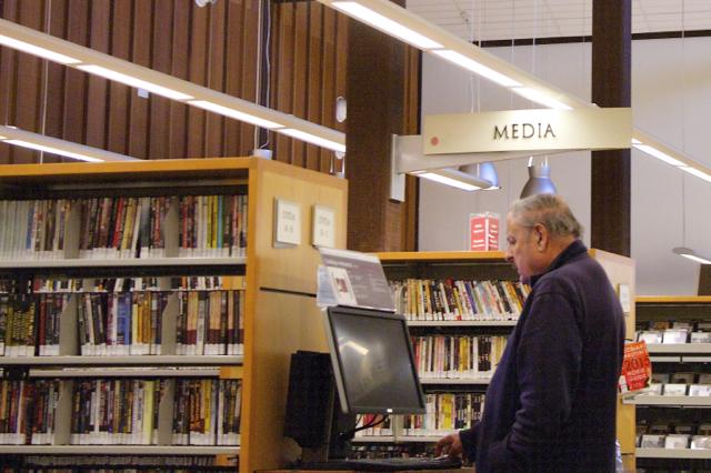 Автоматизирован процесс поиска, выдачи и приема книг