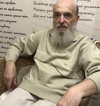 Михаил Хенкин